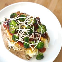 Vegan Baked Potato with Broccoli & Marinara