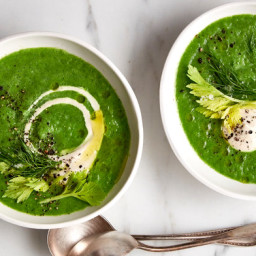 Vegan Broccoli Soup With Cashew Cream