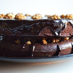 Vegan Chocolate Walnut Cake (+ Video)