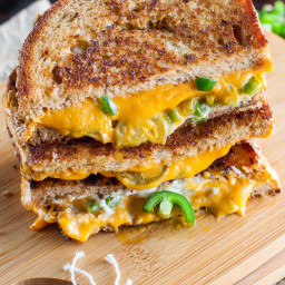 VEGAN JALAPEÑO POPPER GRILLED CHEESE