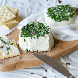 Vegan Roasted Garlic & Fresh Herb Cream Cheez