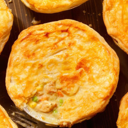 Vegetable samosa pies (vegetarian)