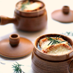 Vegetarian French Onion Soup {with Spiralized Onions}