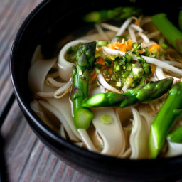 vegetarian-pho-with-asparagus-and-noodles-2606908.jpg