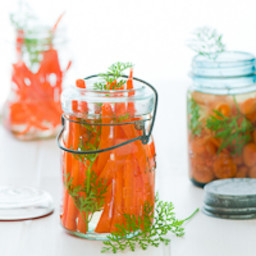 Vietnamese-Style Carrot and Daikon Pickles