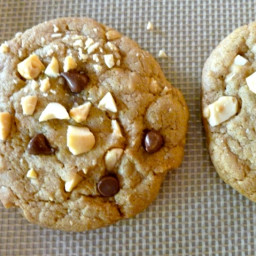 Weight Watchers Chocolate Chip Cookies with Salted Peanuts