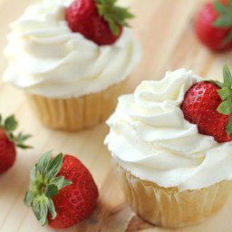 whipped-cream-frosting-2748145.jpg