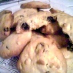 White Chocolate & Cherry Cookies