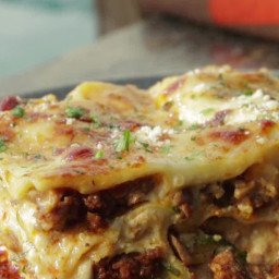 White Lasagna with Spicy Turkey Sausage and 'Shrooms