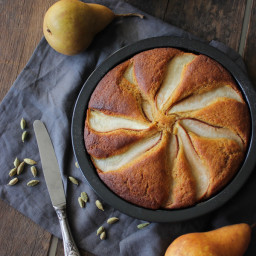 Wholewheat Olive Oil, Yoghurt, Honey and Pear Cake