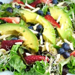 Zeleninovo-ovocný šalát s pomarančovým dressingom