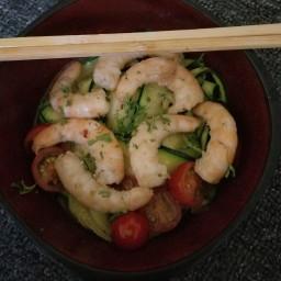 zucchini-noodles-with-lemon-garlic-shrimp-16a4d1a52512016431475400.jpg