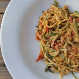 Zucchini Spaghetti with Goat Cheese and Sun Dried Tomatoes