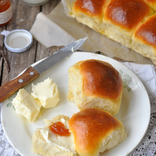 soft dinner rolls b