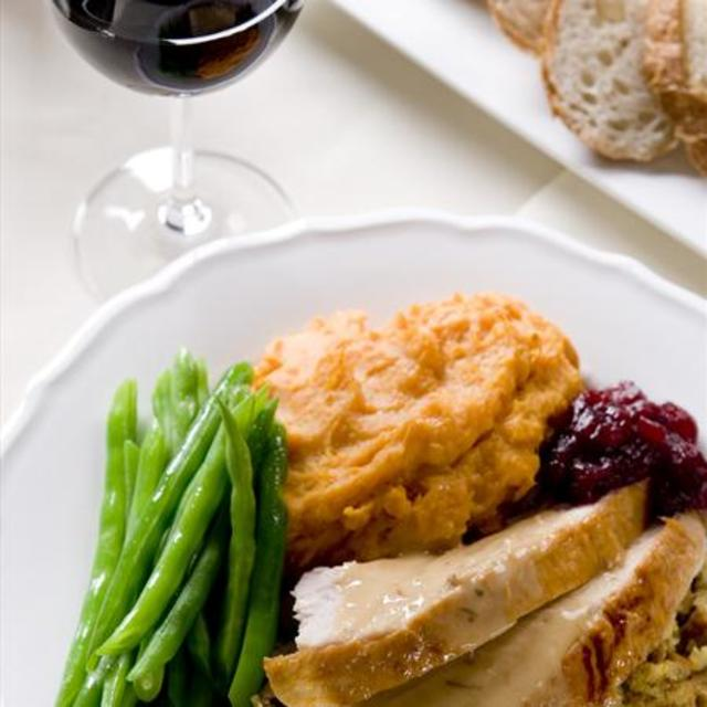 Pairing Wine with Thanksgiving Sides