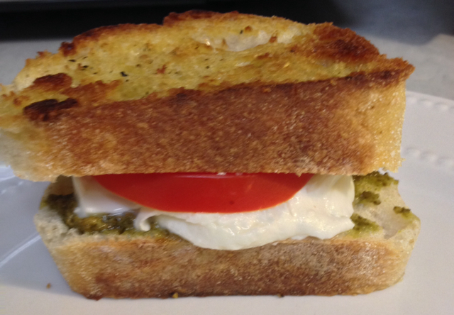 how to make grilled cheese with mozzarella