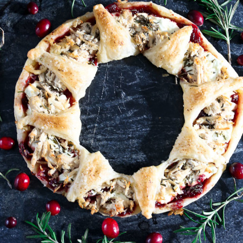 holiday-feast-wreaths