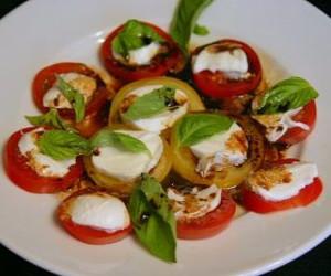 Caprese Salad (Mozzarella, Basil, Tomato)