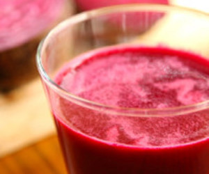 Carrot-Apple-Beet-Parsley Juice (Sweet Beet Juice)