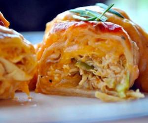Chicken Enchiladas Suiza (Enchiladas with Sour Cream Cheese Sauce)