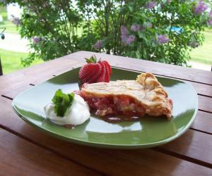 Easy Breezy Strawberry Rhubarb Pie