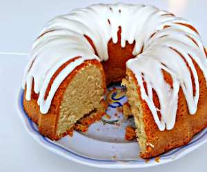 Old Fashioned Buttermilk Cake