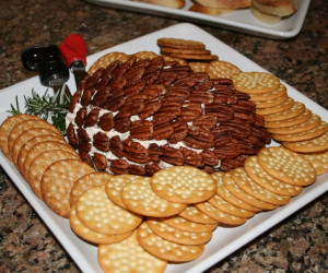 """Pinecone"" Cheese Ball"