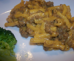 Skillet Mac and Cheeseburger