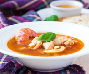 Smoky tomato and seafood soup