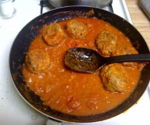 Spicy Cheesy Meatballs