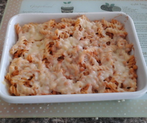 how to make a simple tuna pasta bake