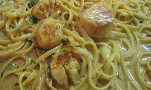 Bay Scallops with Fettuccine
