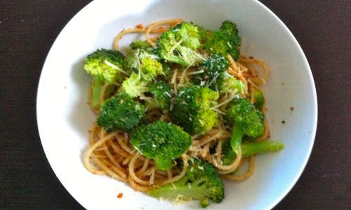 Broccoli and Garlic Breadcrumb Spaghetti